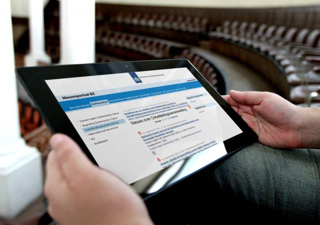 HowardsHome Parlementaire Informatie op een tablet - Portaal Ministerie van Buitenlandse Zaken